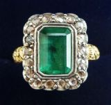 Gorgeous georgian 18ct gold and silver 2.5ct emerald and rose cut diamond vintage antique ring